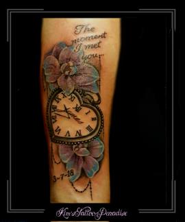 klok tekst bloemen onderarm kant