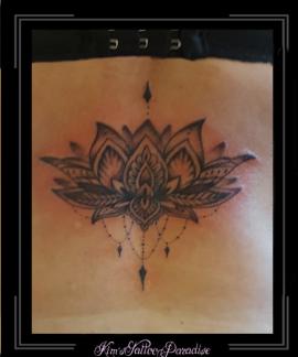lotus bloemen mandala rug kant