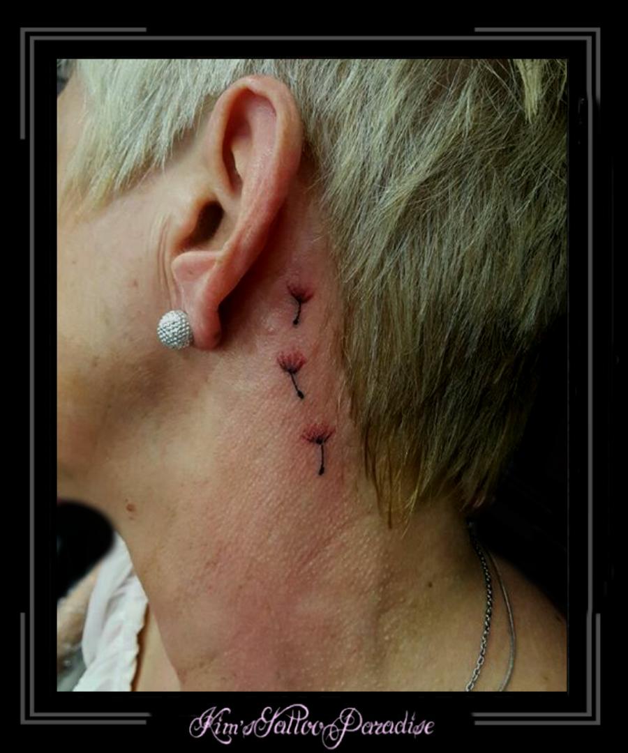 Bloemen Achter Oor Kims Tattoo Paradise