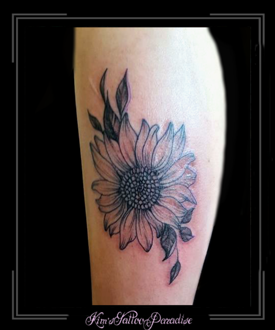 Zonnebloem Kims Tattoo Paradise