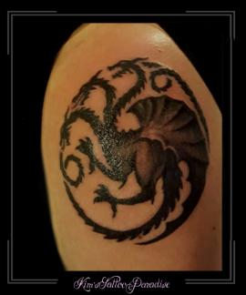 3- koppige draak, bovenarm,drie,