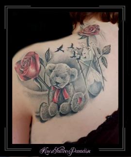 beer teddybeer rozen roos bloemen zandloper vogels schouder