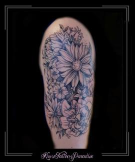 bloemen bovenarm