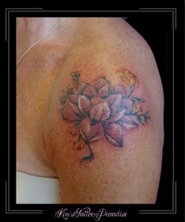 bloemen lotus bovenarm