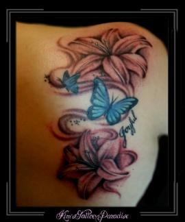 bloemen vlinder schouderblad