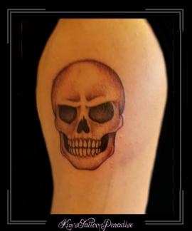 doodskop skull bovenarm