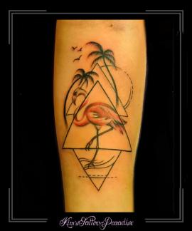 flamiingo geometrie driehoek palmbomen onderarm