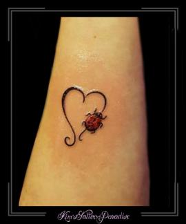 hart lieveheersbeestje pols