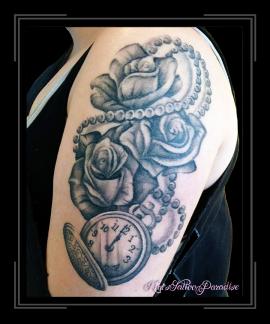 horloge en rozen