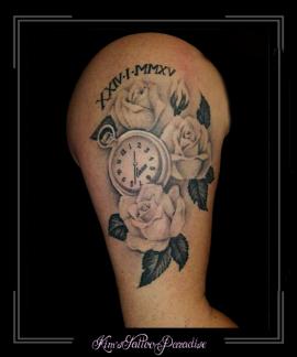 klok rozen romeinse cijfers bovenarm