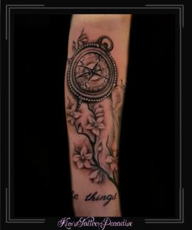 kompas bloesem tekst onderarm