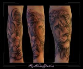 leeuw bloemen onderarm
