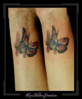 vriendinnen tattoo vlinders pols