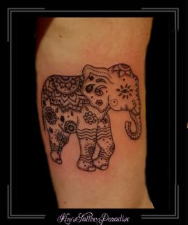 mandala olifant bovenarm