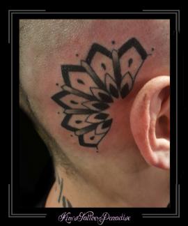 mandala oor