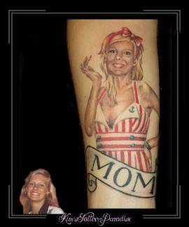 moeder portret pinup onderarm