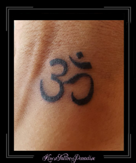 ohm teken 3 logo symbol pols symbool