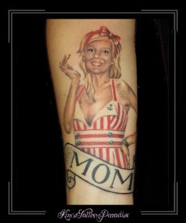 pinup moeder portret onderarm