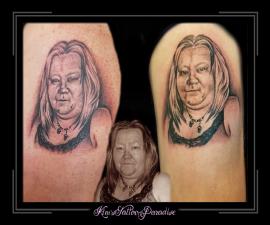 portret moeder vriendin vrouw bovenarm