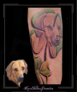 portret,hond,klavertje 4,onderarm,
