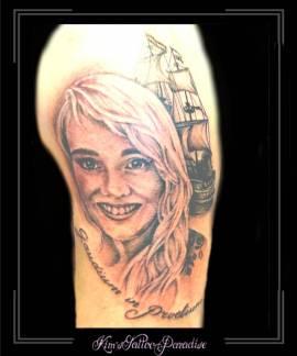 portretvrouwcoc-schipbootbovenarm1