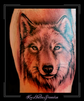 portretwolfhondbovenbeen