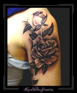 roos en blad bovenarm
