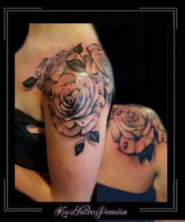 rozen bloemen schouder
