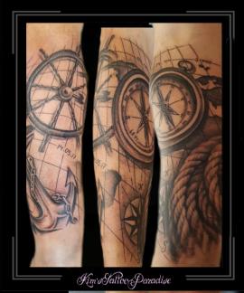 sleeve stuurrad schip touw tros wereldkaart atlas kompas onderarm