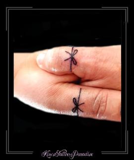 strik,ring,vingers,moeder,dochter,ouder,kind,familie,family,liefde,love,