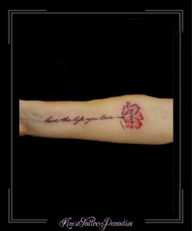 tekst bloemen onderarm