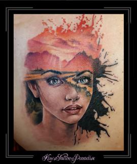 vrouw portret landschap zonsondergang schouder