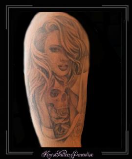 vrouw,skull,skelet,doodshoofd,bovenarm,