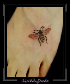 wesp, bij,Maria Sibylla Merian, verandering der surinaamse insecten,voet,