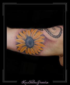 zonnebloem bovenarm bloemen