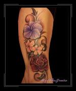 bloem en roos op been