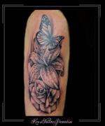 bloemen,roos,rozen,lelie,vlinders,bovenarm,