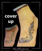 coverup vrouwenteken bloemen voet