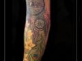 dromenvanger,dreamcatcher,yin yang,pauwenveer,onderarm,veer,veren,kleur,