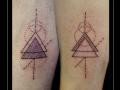 familie family broer zuster liefde love geometrie driehoeken rondje onderbeen