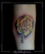 gele roos bloemen naam