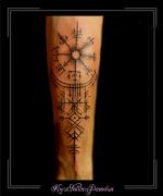 kompas,runen,abstract,onderarm,