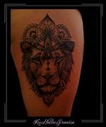 leeuw,mandala,bovenbeen,