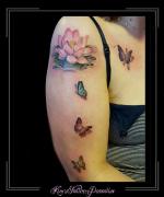 lotus bloemen vinders arm
