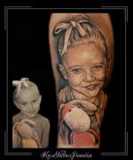 portret,dochter,meisje,knuffel,onderarm1,