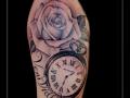 roos bloemen klok tekst bovenarm
