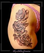 rozen bloemen bovenbeen