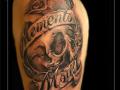 skull skelet tekst bovenarm rozen label lint