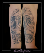 tekst vrouw portret skull onderarm