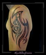 tribal bovenarm